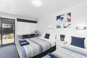Triple Room Accommodation Maryborough Victoria | Wattle Grove Motel